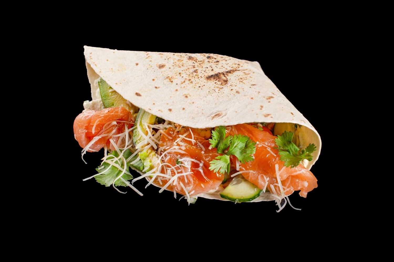 Гирос с лососем и авокадо, 280 гр