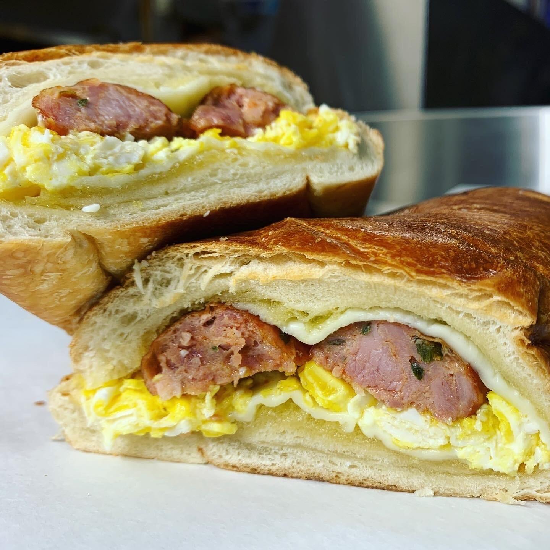 Paisa Sandwich- Chorizo colombiano / Egg /Cheese