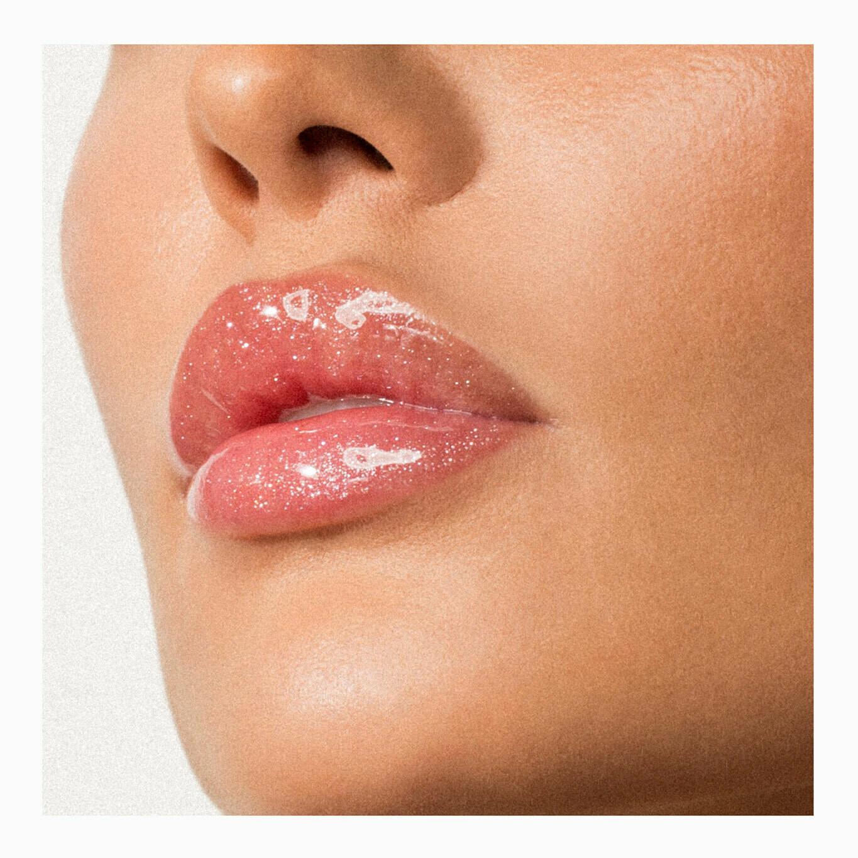 Антивозрастной блеск для губ тон 326 Main Attraction