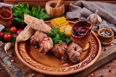Шашлык из говяжьей печени в беконе