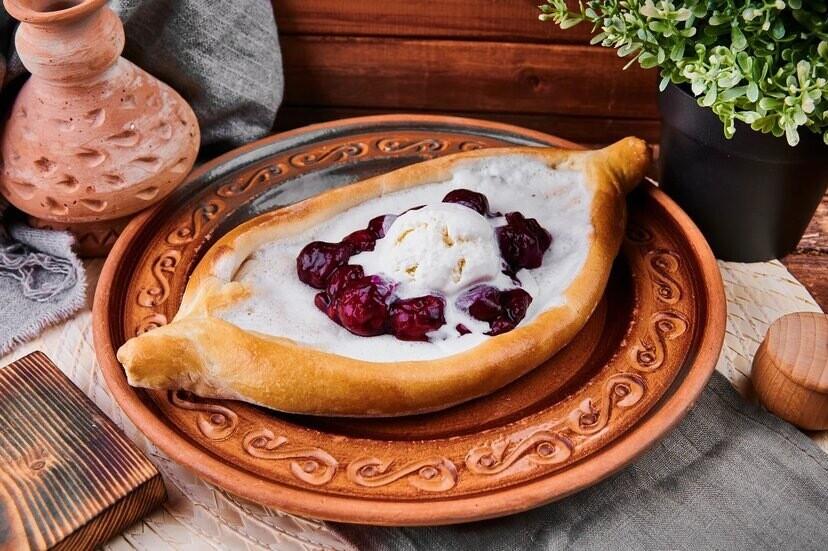 Хачапури с вишней