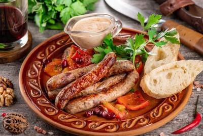 Грузинские колбаски из свинины и говядины