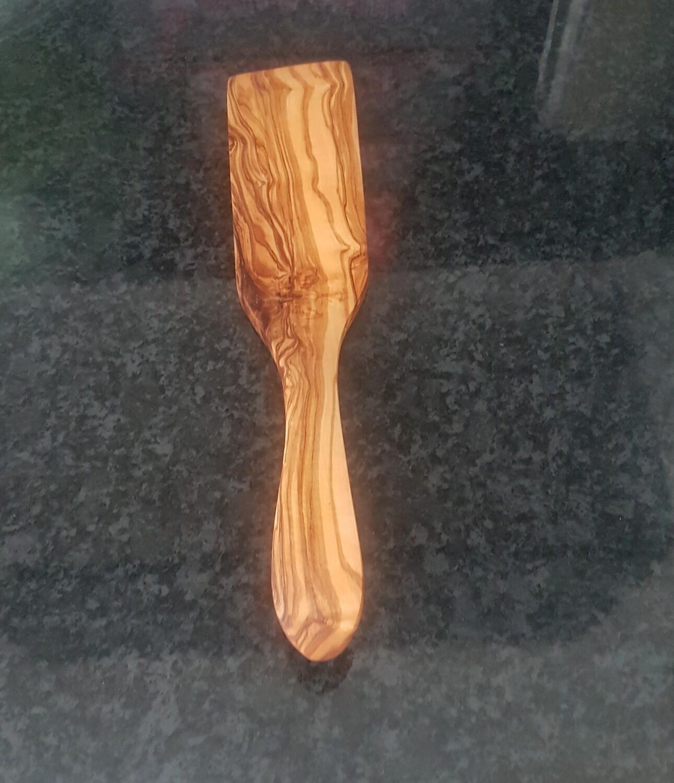 Curved pie spatula