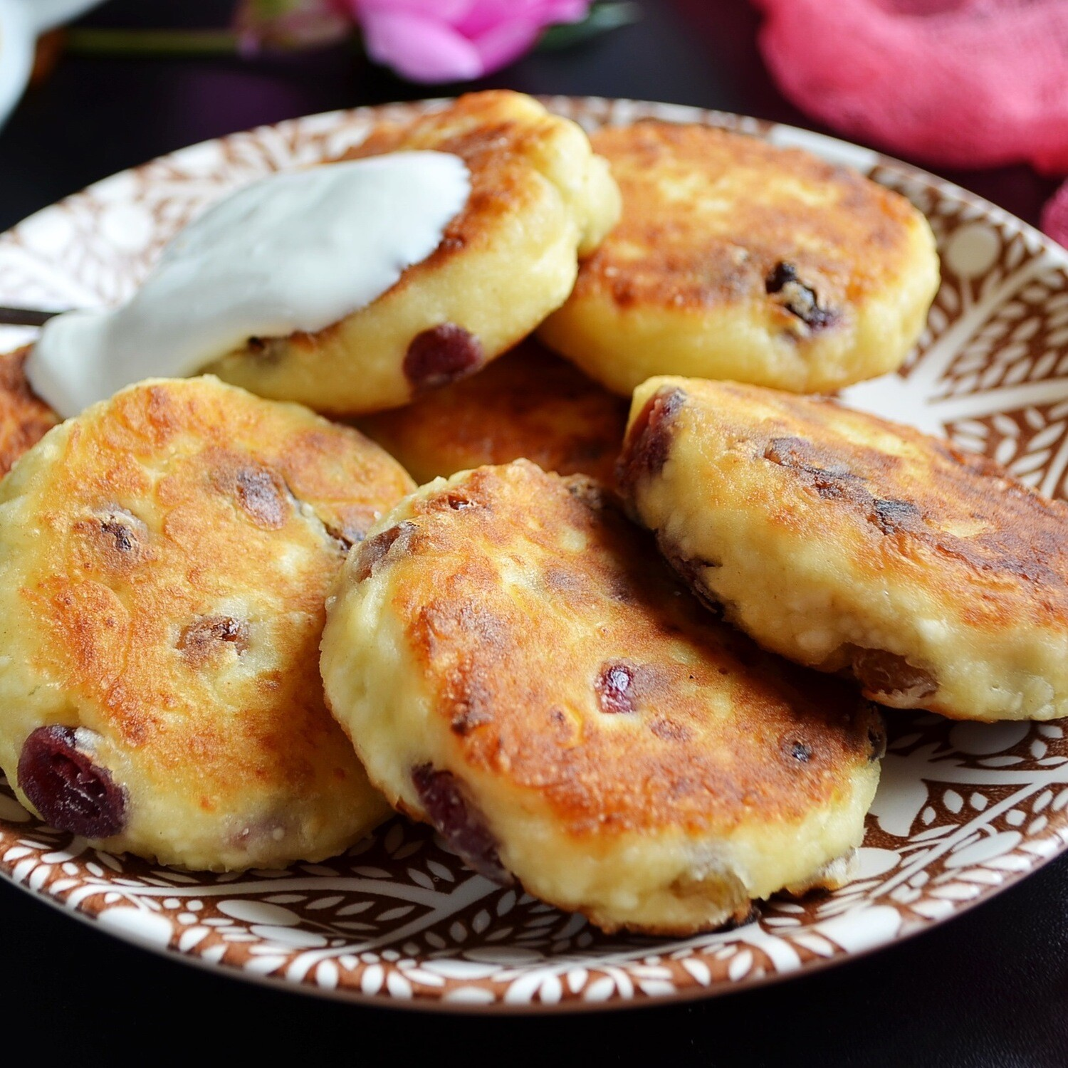 COTTAGE CHEESE PANCAKE WITH DRIED FRUIT