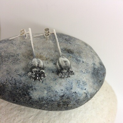 Medium poppy earrings
