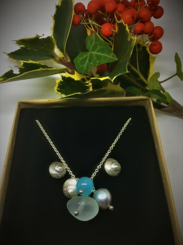 Little seashell cluster pendant and earrings