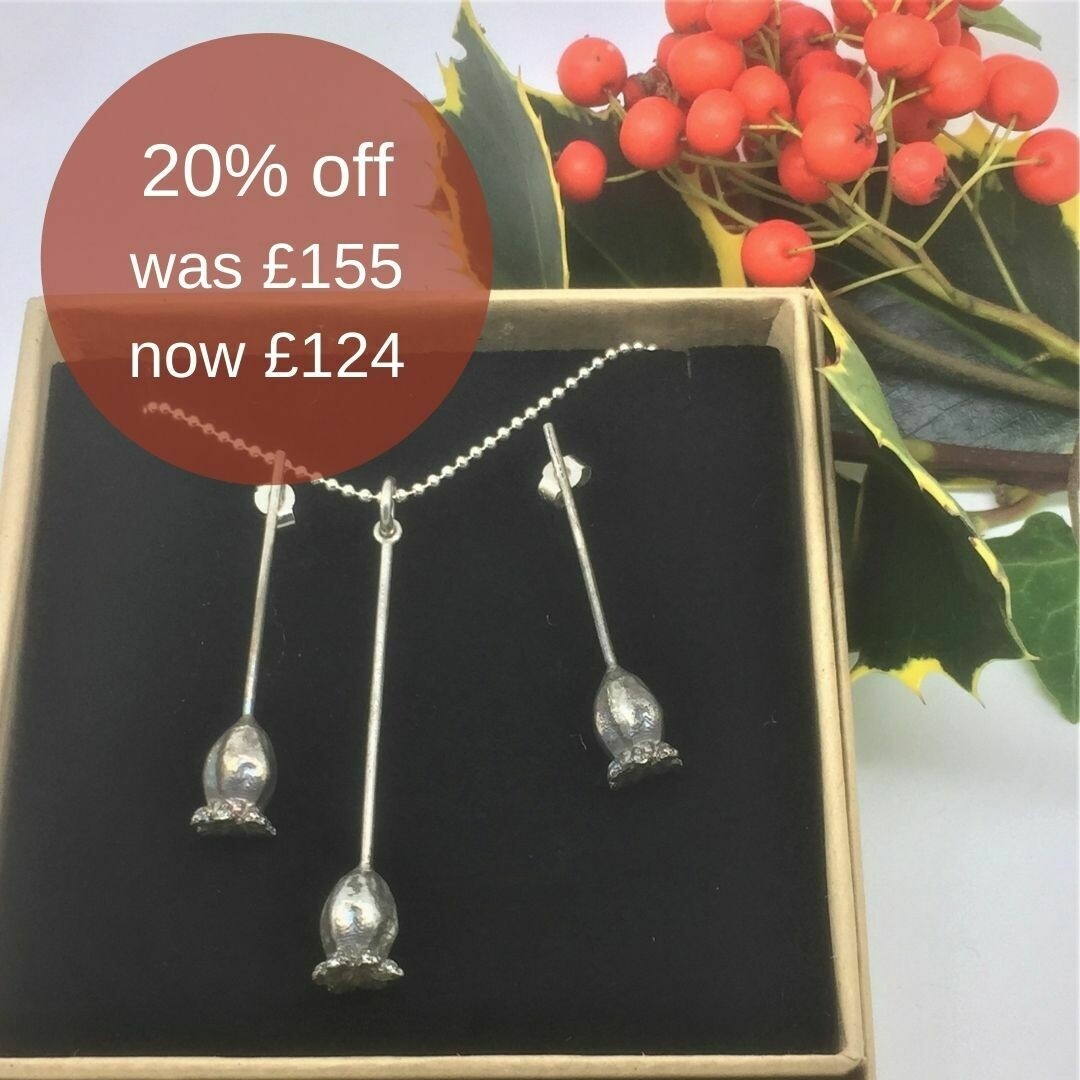Medium poppy pendant and earrings gift set