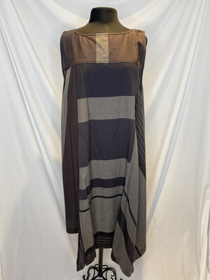 Moyuro Gray Multi Sleeveless Dress