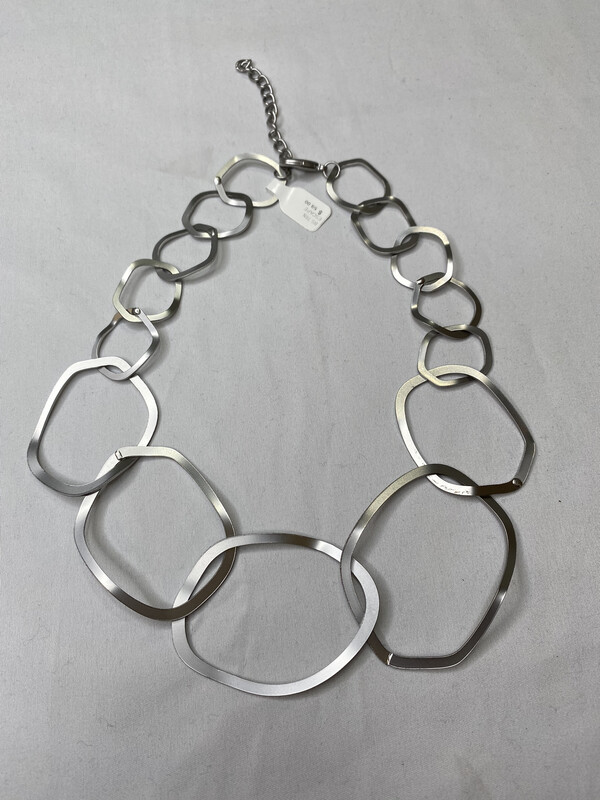 Escape From Paris Metal Rings Necklace