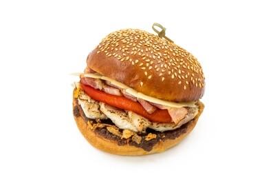 Бургер с куриным филе и печеным перцем
