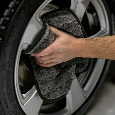 The Gauntlet Wheel Drying Towel 12