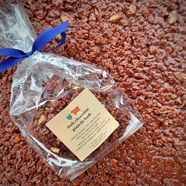 chocolate granola bark: DARK