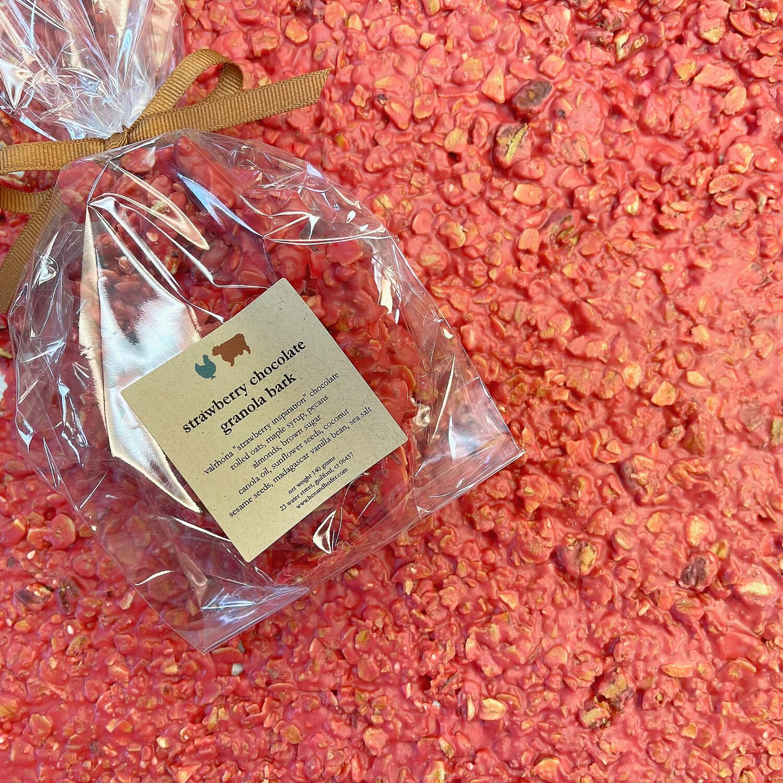 chocolate granola bark: STRAWBERRY