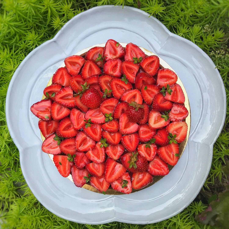 """strawberry tart, 7"""""""