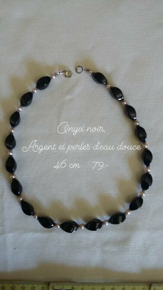 Collier en onyx noir, argent et perles d eau douce