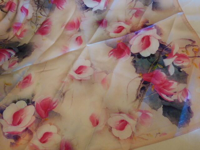 Foulard, carré de soie satin de 50 cm de côté