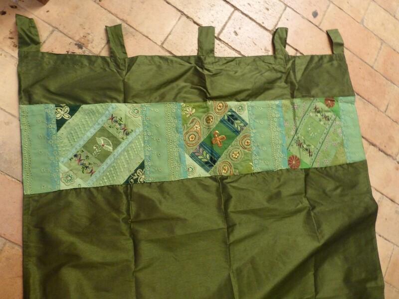 Rideau vert foncé à bande patchwork