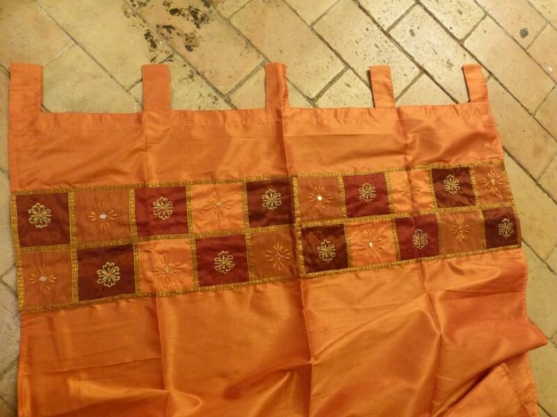 Rideau orange à bordure patchwork