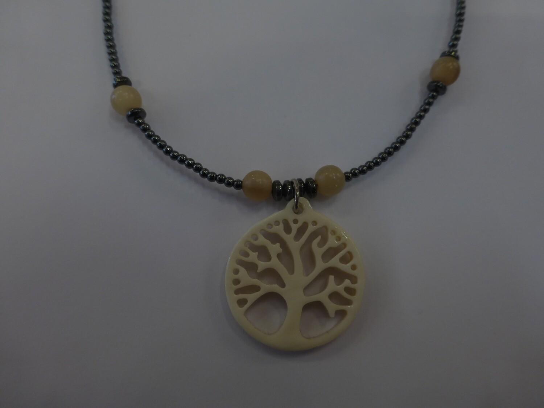 Collier avec pendentif arbre de vie en corne de buffle, 45 cm