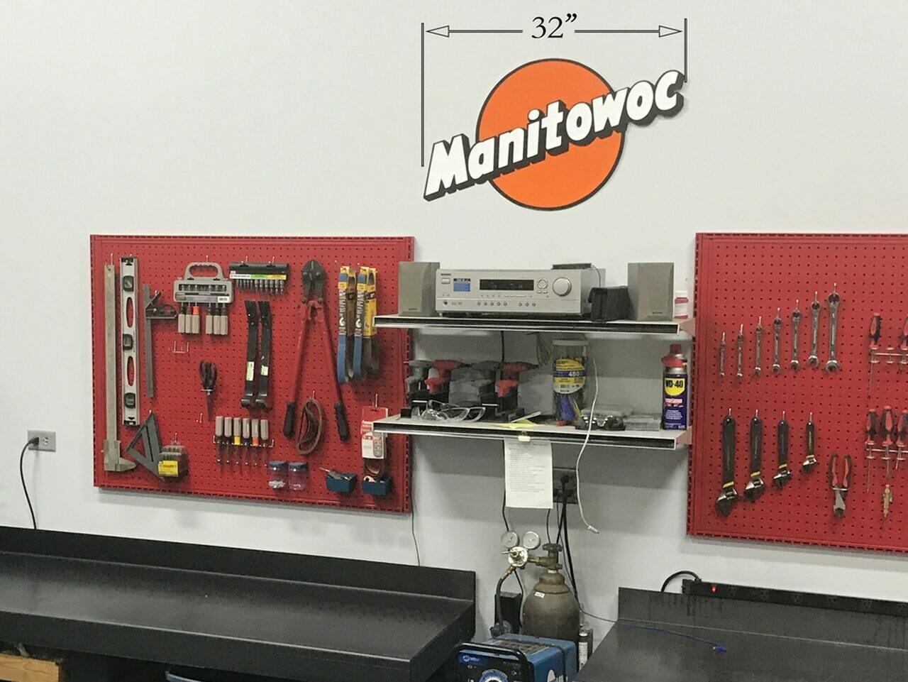 """Vintage Manitowoc Logo - 32"""""""