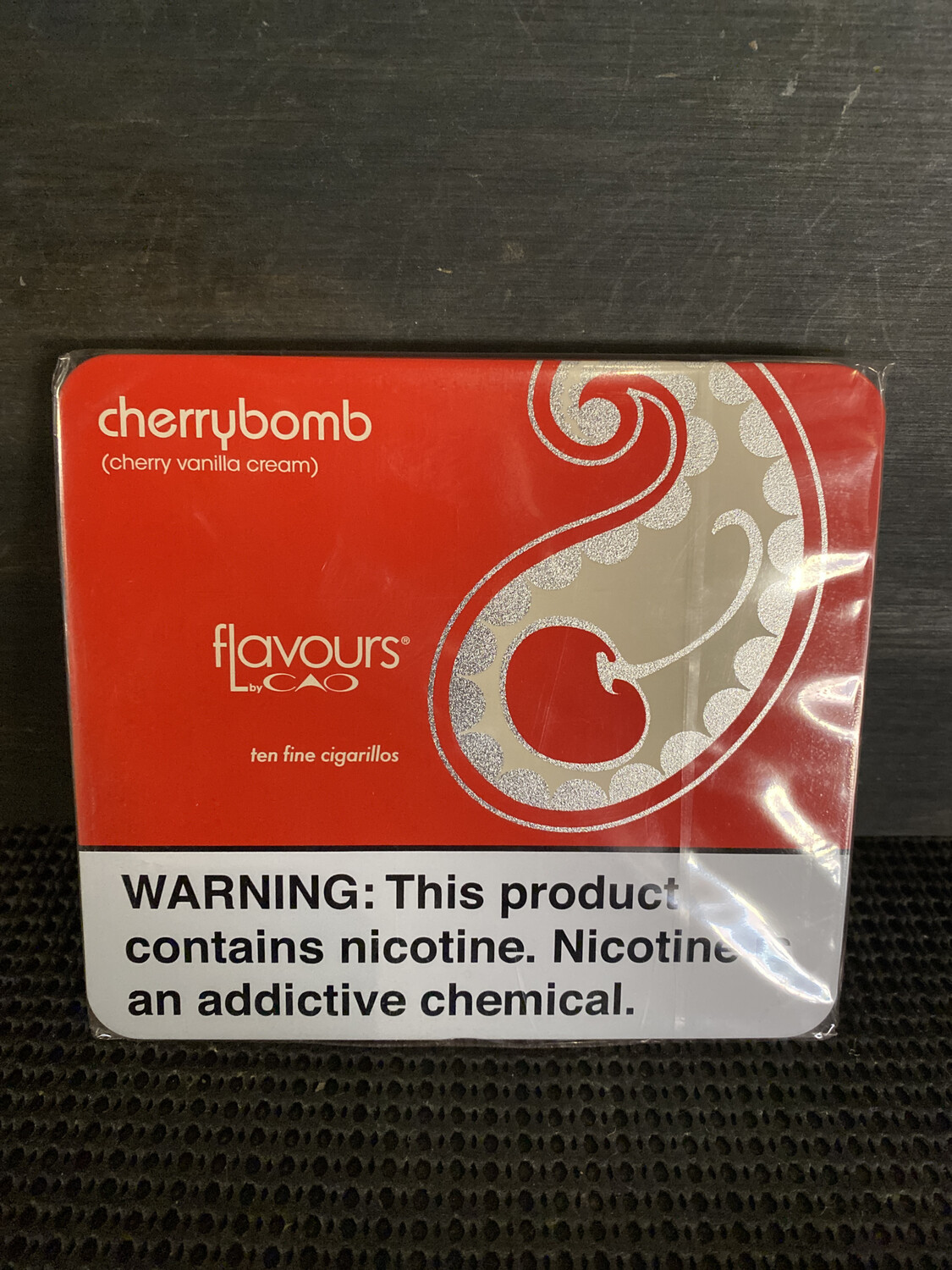Cherrybomb Cigarillos CAO Flavours 10-Pack Tin