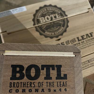 BOTL - Corona 5x44, 15's Brothers of the Leaf Cigar