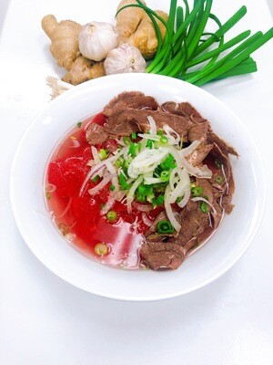 309- Rare Beef and Well-done Rice Noodle Soup