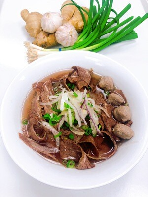 314- Well-done Beef and Beef Ball Rice Noodle Soup