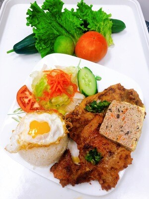 515- Grilled Pork Chop, Grilled Chicken, Steamed Egg, and Fried Egg on Steamed Rice