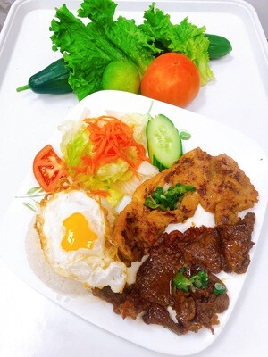 518- Grilled Beef, Grilled Chicken, and Fried Egg with Steamed Rice