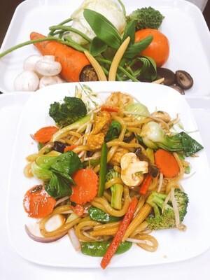 618- Udon Stir Fried with Vegetables, Mushroom, and Tofu