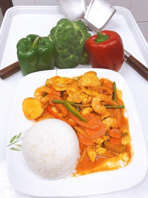 703- Red Curry with Steamed Rice
