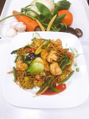 609- Stir Fried Vegetables, Mushrooms, and Tofu with Egg Noodles