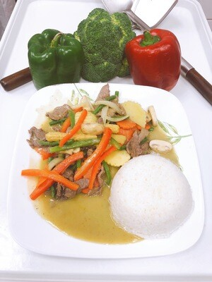 704- Green Curry with Steamed Rice