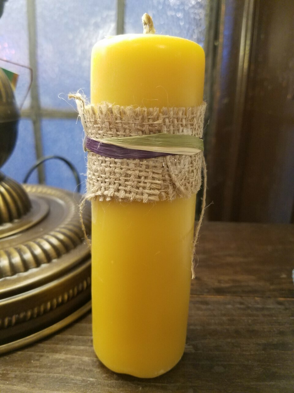 Candle 100% Pure Canadian Beeswax Pillar 1.5 x 6