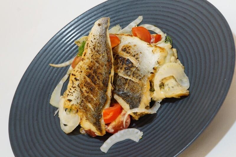 Feines Doraden Filet auf Fenchel-Velouté