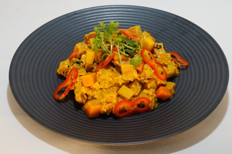 Gelbes Süßkartoffel-Ananas-Curry