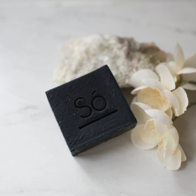​Só Luxury Charcoal Cleansing Bar