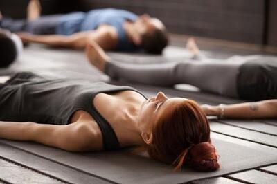 Yoga-Kurs an verschiedenen Orten