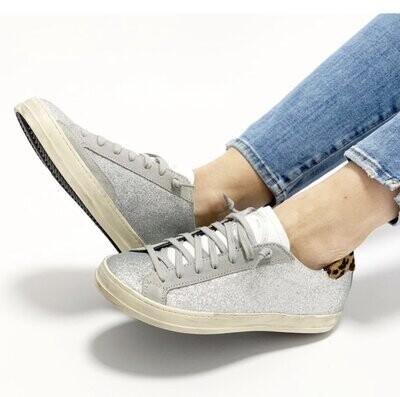 P448 - Glitter Sneakers