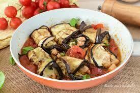 Aubergines rolls with tuna