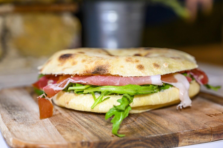 Sandwich with Puccia bread