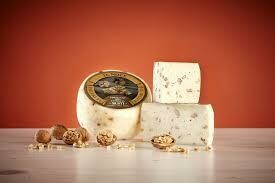 Sicilian Pecorino with walnuts 100g