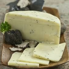 Pecorino Vesuviano semiaged with Truffle  100g