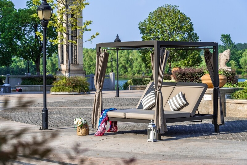 Outdoor Steel Metal Adjustable Daybeds with Canopy and Cushions