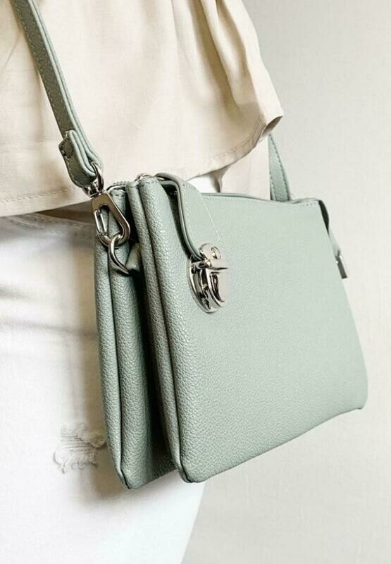 Convertable Clutch/Crossbody Handbag