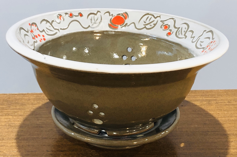 Woodshade Berry Bowl