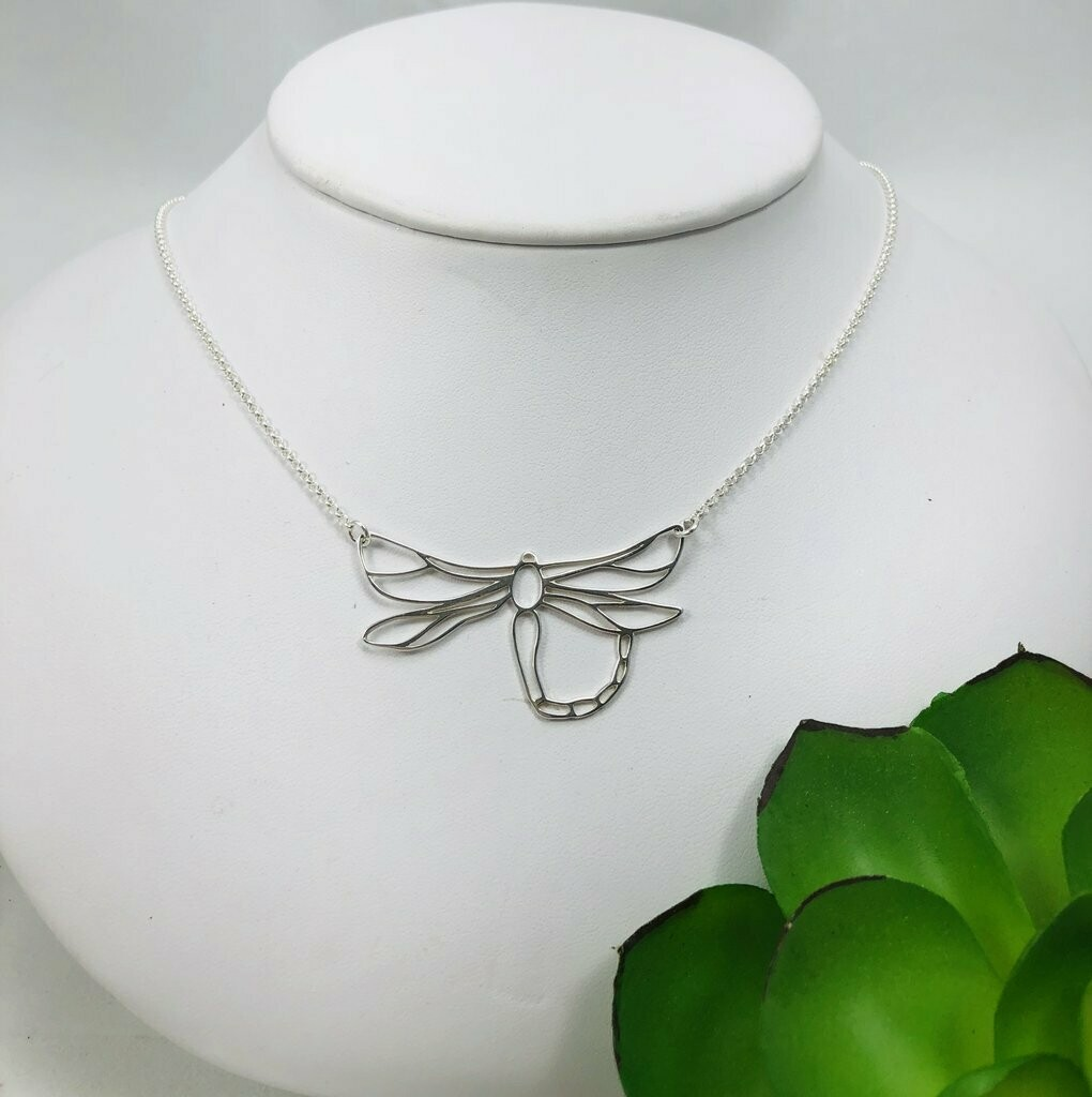 Dragonfly Necklace - Shy Giraffe