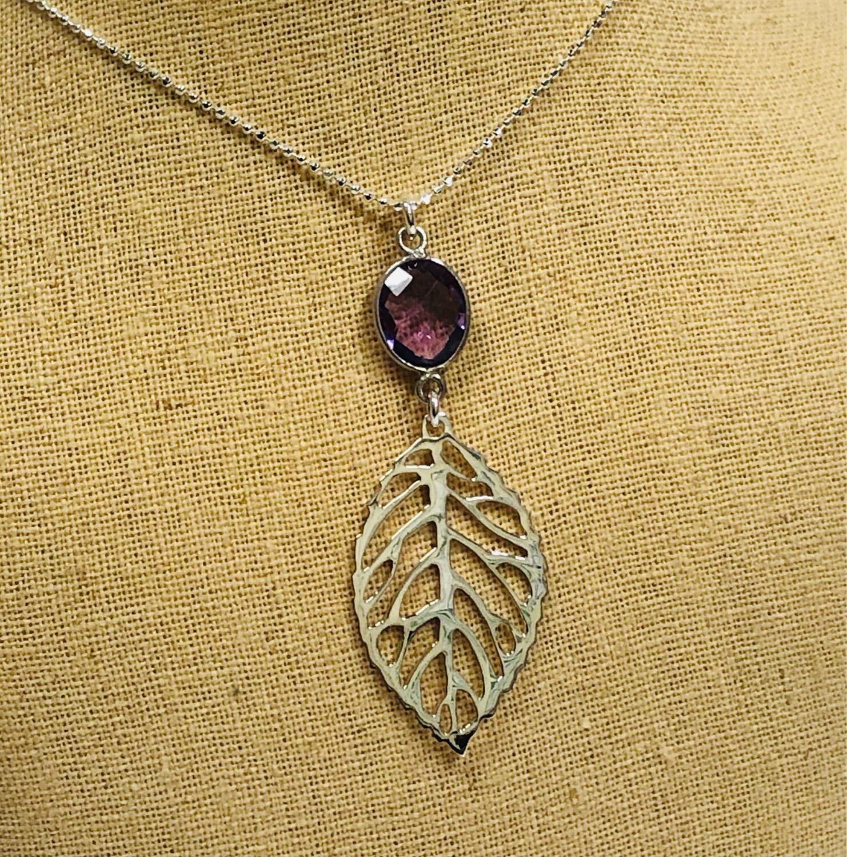 Leaf Gemstone Necklace - Shy Giraffe