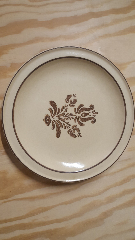 "Dinner Plates, 10.5"""